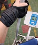 Перчатки для фиксации кисти на рукояти тренажеров